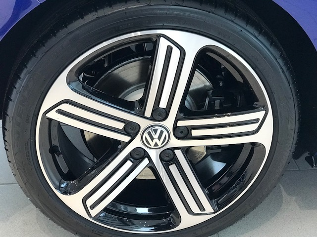 Diamond Cut Alloy Wheel