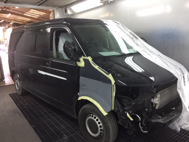 VW-Transporter-front-end-damage