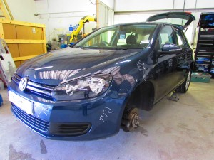 VW Golf car body repair